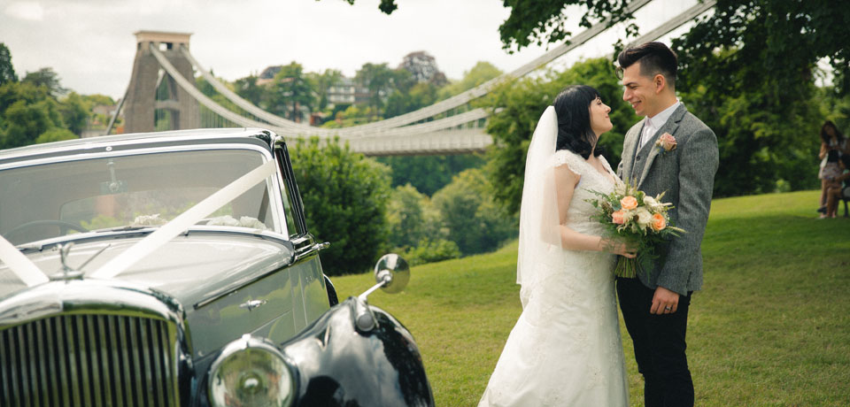 couple Bristol clifton suspension bridge - Exquisite Wedding Photography