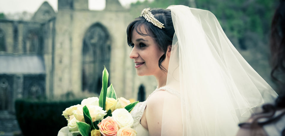 bride tintern abbey - Exquisite Wedding Photography